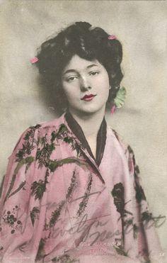 "Rudolf Eickemeyer, Jr. ~ Evelyn Nesbit, Posed as ""The Mikado's Pride"""