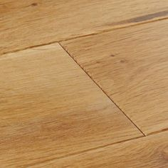 York Rustic Oak solid wood flooring celebrates the natural, untamed beauty of timber with a beautiful golden shade, knots and grain patterns. Get a sample at WoodPecker USA. Tartan Stair Carpet, Oak Hardwood Flooring, Neutral Paint, Rustic Design, Solid Oak, York, Knots, Swatch, Bedrooms