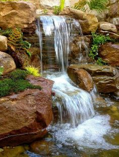 It's not difficult to create a waterfall pond feature rather than the conventional pond. With this small waterfall pond landscaping ideas you will inspired to make your own small waterfall on your home backyard. Garden Waterfall, Small Waterfall, Backyard Water Feature, Ponds Backyard, Backyard Waterfalls, Garden Ponds, Backyard Ideas, Big Backyard, Outdoor Ponds