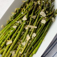 The quickest and most delicious way to cook asparagus, the air fryer makes preparing this side dish so easy! Top your Air Fryer Asparagus with a touch of lemon and parmesan cheese for the best ready-in-10-minute-side-dish ever! Ways To Cook Asparagus, Asparagus Fries, Asparagus Recipe, Asparagus Spears, Lexi's Clean Kitchen, Prep Kitchen, How To Cook Lentils, Easy Lettuce Wraps, Homemade Taco Seasoning