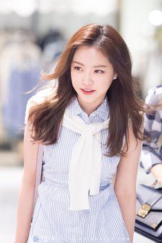 Just Like Honey - Hashimoto ai x Aonami Jun กลุ่มคนหน้าเด้ดแห่งชาติ Kpop Girl Groups, Kpop Girls, Fashion Models, Fashion Beauty, Apink Naeun, Grunge Girl, Great Women, Sexy Asian Girls, Korean Beauty