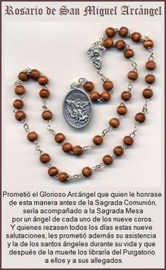E n una aparición a la Sierva de Dios, Antonia d´Astonac, religiosa carmelita de Portugal, hacia el año 1750, el Príncipe de los Á...