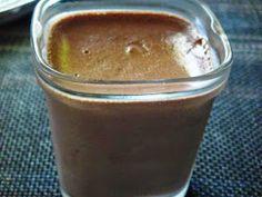 Ingrédients (Pour 12 pots bien remplis) : 1 L de lait entier 40 cl de crème fleurette entière 3 oeufs 100 g de cassonade 100 g de...