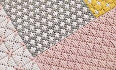 New ideas for crochet rug diy weaving Bargello Needlepoint, Motifs Bargello, Broderie Bargello, Bargello Patterns, Needlepoint Stitches, Cross Stitch Embroidery, Embroidery Patterns, Crochet Patterns, Plastic Canvas Crafts