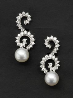 South Sea Pearls, diamonds, earrings designed by Angela Cummings for Assael, shop online deleuse.com