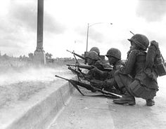 Army of the Republic of Vietnam Rangers defend Saigon during the Tet Offensive of Vietnam War Photos, South Vietnam, Green Beret, We Are The World, American War, Vietnam Veterans, The Republic, Okinawa, Troops