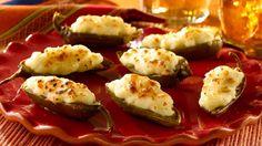 Estos picanticos jalapeños rellenos con pure de papa y queso Monterrey Jack se deshacen en tu boca dejando un sabor delicioso. Descubre esta receta y ¡buen provecho! Stuffed jalapeño + recipe + delicious