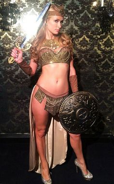 Pin for Later: When It Comes to Halloween Costumes, Paris Hilton Has a Sexy Formula Sexy Gladiator, 2013 Gladiator Halloween, Gladiator Costumes, Hot Halloween Costumes, Halloween Ideas, Halloween Party, Homemade Halloween, Adult Halloween, Paris Hilton Photos, Costumes For Women
