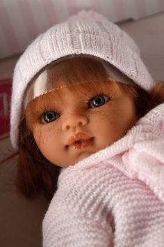 Realistická panenka Emily Trenzas od firmy Antonio Juan ze Španělska