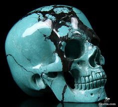 Turquoise Crystal Skull Now that I have seen it... I MUST have this... need another piggy bank!