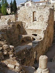 The Pools of Bethesda, in Jerusalem, where Jesus performed the miracle of curing the blind man. Bethesda is where Jesus' maternal grandparents, Anne and Joachim lived. Religion, The Places Youll Go, Places To See, Heiliges Land, Terra Santa, Arte Judaica, Naher Osten, Israel Travel, Israel Trip