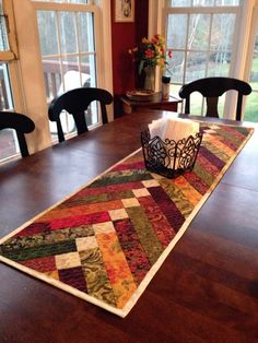French braid table runner - Braid table runner – such pretty colors. Can also make quilts with this method - Patchwork Table Runner, Table Runner And Placemats, Fall Table Runner, Quilted Table Runner Patterns, Modern Table Runners, Thanksgiving Table Runner, Quilted Table Runners Christmas, Christmas Tables, Braid Quilt