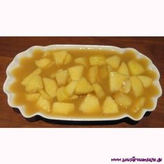 Apfel-Vanille-Pudding - Puddingrezept mit Bild Macaroni And Cheese, Ethnic Recipes, Desserts, Food, Vanilla, Pudding Recipe, Apple Recipes, Apple Juice, Food Portions