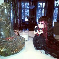Tangkou doll Ms. Vampire pray for Buddha.