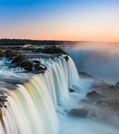les cascades d'Iguazu, au Brésil