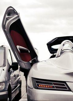 Mercedes Benz SLR McLaren