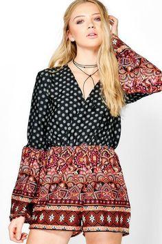1b1cbfd487 Boohoo Erin Deep Plunge Flare Print Playsuit Black Size 14 SA078 BB 13   fashion
