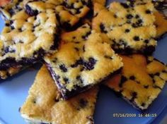 """Absolut leckerer Blaubeerkuchen The perfect Absolutely delicious blueberry cake recipe with simple step-by-step instructions: We were at Soltau """"in the Bickbeeren"""" …. Pudding Desserts, Easy Desserts, Dessert Recipes, Blueberry Pie Recipes, Blueberry Cake, Pound Cake Recipes, Cheesecake Recipes, Cheesecake Bars, Pumpkin Cheesecake"""