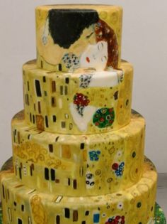 """Klimt's """"Kiss"""" on a cake - I'm not sure cake is right place for the masterpiece. but still interesting"""