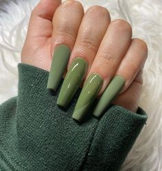 Image uploaded by ~luxurious Taste~. Find images and videos about nails, green and nail art on We Heart It - the app to get lost in what you love. Summer Acrylic Nails, Best Acrylic Nails, Acrylic Nails Green, Summer Nails, Square Acrylic Nails, Black Nails, Spring Nails, Aycrlic Nails, Swag Nails
