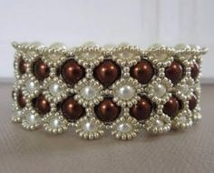 Free Tutorial ~ Beaded Bracelet with 8mm and 6mm Glass Pearls featured in Bead-Patterns.com Newsletter!