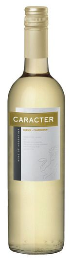 In stock - 3,95 € 2013 Santa Ana Caracter Chenin - Chardonnay, white dry, Argentine - 80pt Fresh notes of mango, citrus and green grass, not a single argument why this wine just opens during the summer. The taste is very light and fruity with soft tannins and so is suitable for terraced sipping. Definitely taste it in the parade summer salads.