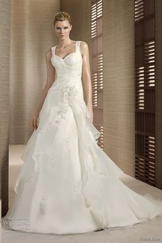 Lovely A-line gown with thick straps