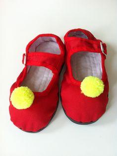 pom pom red slippers