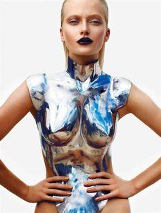 Iconic Outfit by Thierry Mugler Mode Lookbook, Design Textile, High Fashion, Womens Fashion, Fashion Beauty, Fetish Fashion, Fashion Hair, Blue Fashion, Fashion Fashion