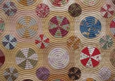 Pies & Tarts quilt   Quilts on Bastings  LOVE the quilting on this!!