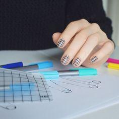 HAY Grid Nail Design - nail escapades