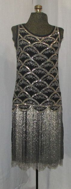 Vintage Dresses Flapper / Gatsby Beaded Dress/ Vintage / Fashions/ Fringed Flapper Dress - Authentic late beaded flapper dress is classic beaded fringe hemline style . The dress has silver glass beads and sequins over bodice 1920s Outfits, Vintage Outfits, Vintage Fashion, 1920s Fashion Dresses, Fashion 1920s, Beaded Flapper Dress, 1920s Dress, Flapper Style, 1920s Flapper