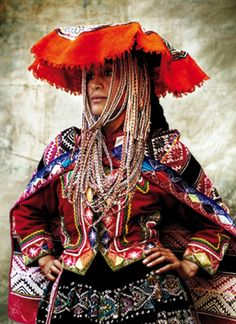 """Alta Moda is a personal project for fashion photographer Mario Testino. It brought him to his home of Peru to capture the Peruvian culture and traditional dress – the Mario Testino way. """"So much Peruvian history lives… Mario Testino, Traditional Fashion, Traditional Dresses, Folk Costume, Costumes, Moda Peru, Peruvian People, Peruvian Women, Ethno Design"""