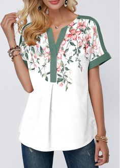 Shop Womens Fashion Tops, Blouses, T Shirts, Knitwear Online Trendy Tops For Women, Blouses For Women, Blouse Styles, Blouse Designs, Umgestaltete Shirts, Techniques Couture, Printed Blouse, Short Sleeve Blouse, Floral Prints