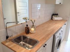 wooden benchtop in laundry Laundry Bathroom Combo, Laundry Nook, Bathroom Cupboards, Modern Kitchen Cabinets, Kitchen Decor, Small Laundry Sink, Bathroom Island, Laundry Sinks, Laundry Station