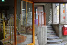 Aldo Van Eyck / Hubertus - Housing for Single Parent Families, Amsterdam… Interior Garden, Interior And Exterior, Interior Design, Space Architecture, Architecture Details, Aldo Van Eyck, Urban Beauty, Peaceful Places, Affordable Housing