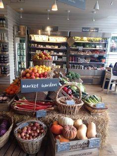 Ideas For Fruit Shop Signage Produce Displays, Store Displays, Tante Emma Laden, Deco Cafe, Vegetable Shop, Shop Signage, Organic Market, Farm Store, Fruit Shop