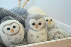 Learn to make this cute owl and learn to needle felt! This 30 minute tutorial is meant for the absolute beginner! If you've never even heard of felting, no p...
