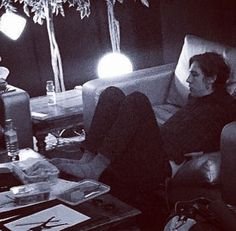 Look at his lil feet -my love ♥️ Van Mccann, Ryan Evans, Catfish & The Bottlemen, Get My Life Together, London Life, Cool Bands, Fangirl, Photo And Video, Guys