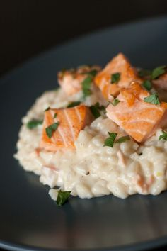 Creamy Lemon Risotto with Salmon - Food for Love- Après la Pluie … Risotto Crémeux Citronné au Saumon – Food for Love After the Rain … Lemon Creamy Risotto with Salmon … - Salmon Recipes, Seafood Recipes, Dinner Recipes, Healthy Cooking, Cooking Recipes, Healthy Recipes, Healthy Lunches, Couscous, Salmon Risotto