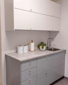 Kjøkkenet vårt – Villafunkis.no Double Vanity, Buffet, Kitchen Cabinets, Bathroom, Home Decor, Washroom, Decoration Home, Room Decor, Kitchen Base Cabinets