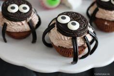 CASTLEMAKER Lifestyle-Blog - Halloweenparty für Kinder - Einladungen, Snacks & Co « CASTLEMAKER Lifestyle-Blog Oreo Cupcakes, Snacks, Blog, Desserts, Muffins, Dessert Ideas, Invitations, Food Food, Kuchen