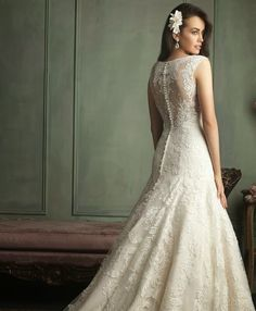 Wedding Dresses | bellethemagazine.com