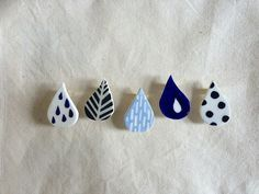 Teardrop Pins / Earr
