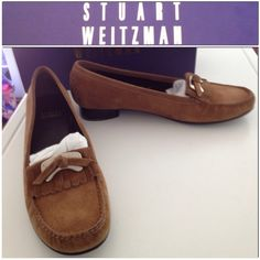 HOST PICK X2 NEW STUART WEITZMAN SHOES Fristter doe sport suede size 8 1/2 new never worn pay 235.00 plus tax Stuart Weitzman Shoes