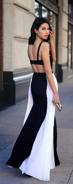 Black and White Pleated # Hot chic