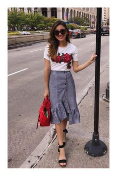 Cute skirt but does it come in Tv Show Outfits, Mode Outfits, Skirt Outfits, Fashion Outfits, Simple Dresses, Casual Dresses, Classy Outfits, Casual Outfits, Sleeves Designs For Dresses