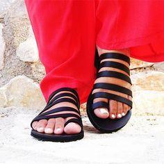 4fa5bdd8e879 Peep Toe Beach Sandals Strappy Roman Slippers Beach Sandals