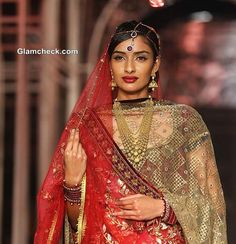 India Bridal Fashion Week 2013 Grand Finale collection by Tarun Tahiliani