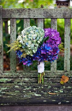 Ramo de novia de hortensias :: Hydrangeas wedding bouquet by Gertie Maes Floral Studio